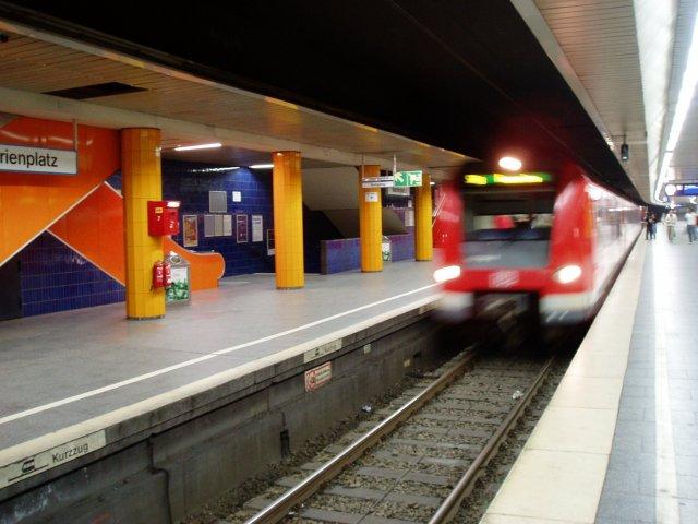 Marienplatz S-Bahn (C) www.monacomedia.de